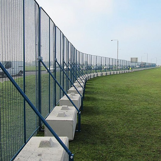Polmil Fencing installed in Greenwich